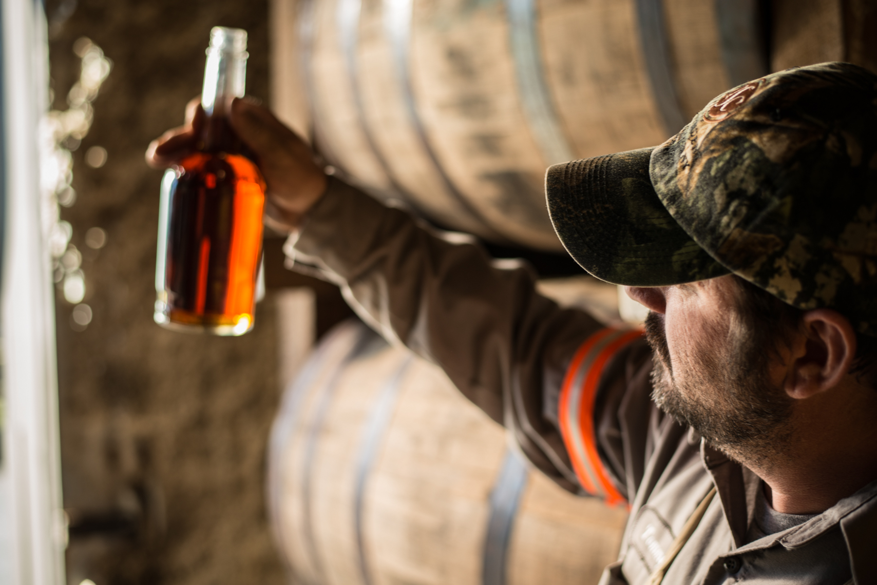 Barrel warehouse, whiskey sample, George Dickel Distillery - Tennessee Whiskey, Nashville beverage photographer, food photographer, worker, working, makers, craft, editorial photographer, stock photography
