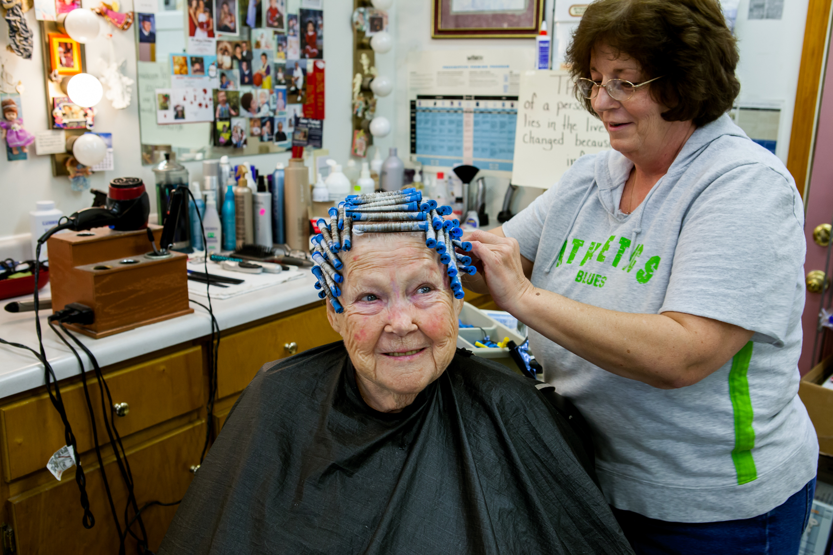 Elderly woman in a hair salon, work, hair stylist, golden, work, lifestyle, Nashville, editorial, advertising, photographer, photojournalist